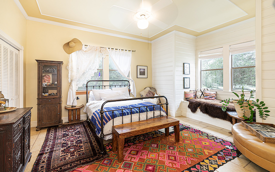 Must-Reads: A Victorian Restore with Rug Inspiration & Moulin Rouge Hits Broadway