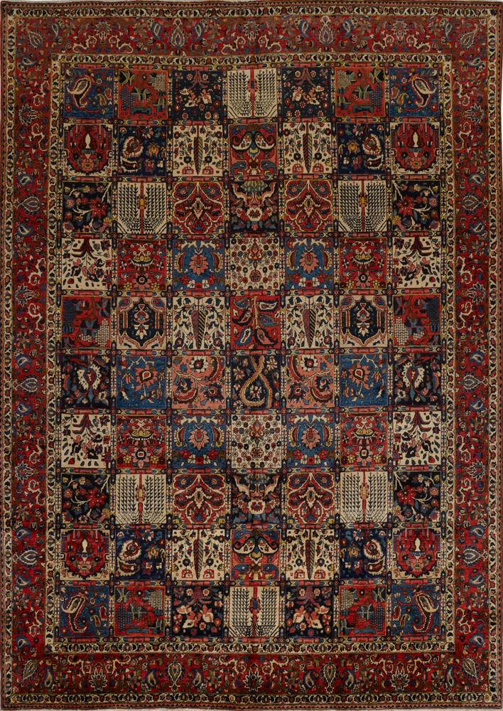 Antique Oriental Bakhtiari Rug View Fullscreen